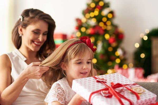 Πως να πιάσετε τα μαλλιά σας με μια κορδέλα