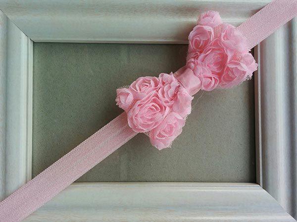 Κορδέλα ροζ με ροζ φιόγκο και μικρά τριανταφυλλάκια