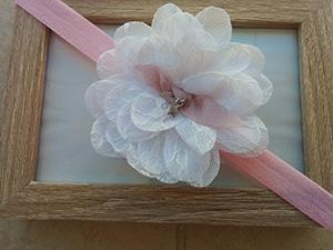 ροζ-κορδέλα-με-δαντελένιο-άσπρο-λουλούδι-1